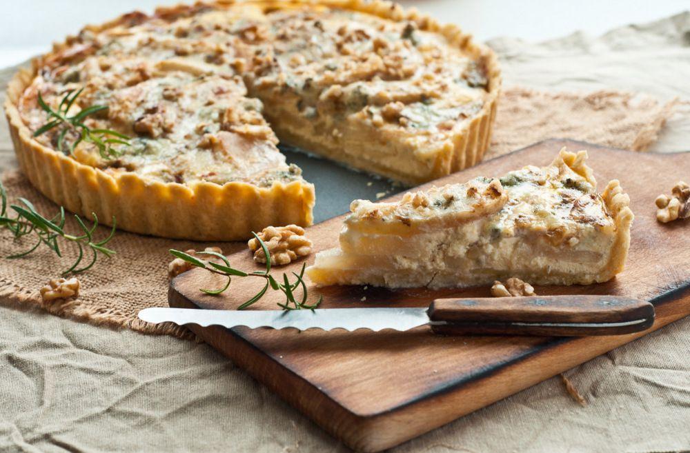 Tarta z gruszkami i gorgonzolą
