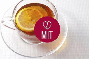 herbata z cytryną w filiżance
