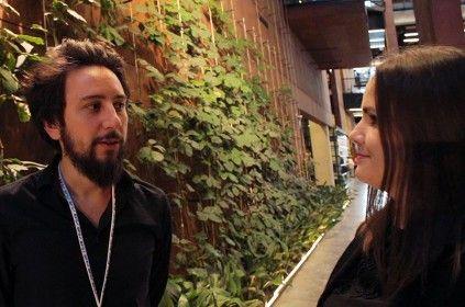 Włodek Markowicz udzielający wywiadu Ewelinie Szczęsnej w budynku Europejskiego Centrum Solidarności podczas konferencji Blog Forum Gdańsk 2015