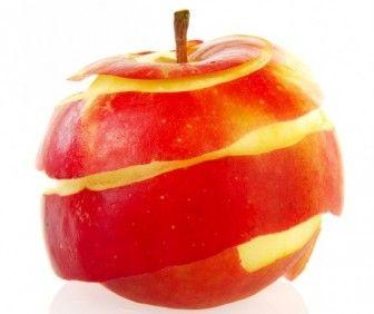 wróżba andrzejkowa z wykorzystaniem jabłka