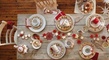 Wigilijny stół z czerwonymi gwiazdkami